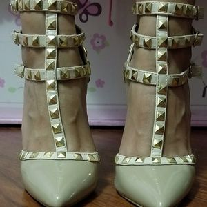 T Strap Rockstud Closed Toe Stiletto Heel size 5